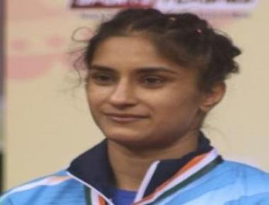 Wrestler Vinesh wins CWG gold