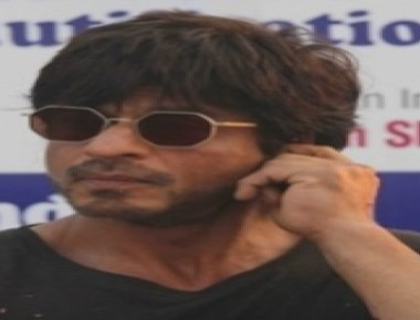 SRK gets 'Raees' fever to 'Dil Hai Hindustani'