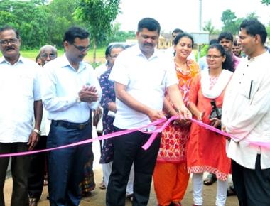 Adani UPCL's CSR inaugurates 4 concreted roads worth Rs 1.29 crore at Mudarangadi village