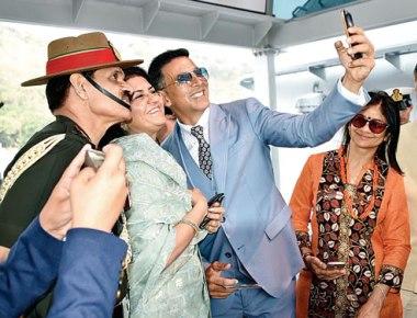 Battleship Bollywood- Veterans decry ' tamasha of sorts' at military ceremonies