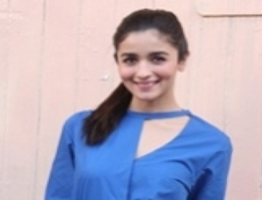 Alia hopes aspiring singers sing for her movies