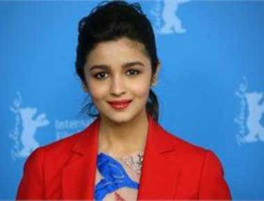 Alia Bhatt gets emotional as she wraps up 'Raazi' shoot