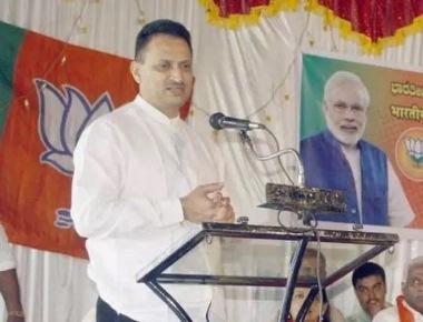 Hegde stokes new row, this time on Kannada