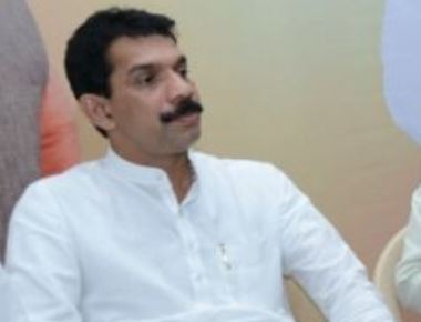 Do not let corporation intervene in road work,  Nalin Kumar Kateel  tells NHAI