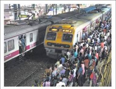 Three new FOBs to ease rush at Andheri station