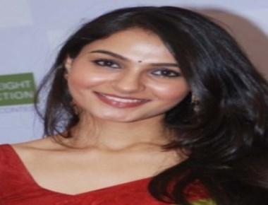 Andrea replaces Akshara Haasan in 'Thupparivaalan'