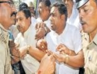 Joshi, Shettar arrested over ruckus at DC office