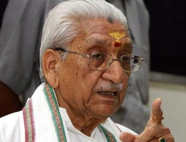 VHP leader Ashok Singhal passes away, confirms Praveen Togadia