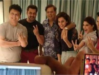 Salman joins 'Judwaa 2' cast to shoot his cameo