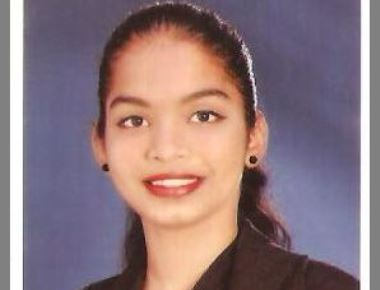 Miss Wencita Rani D'Souza  Backs 1st Prize in English Essay