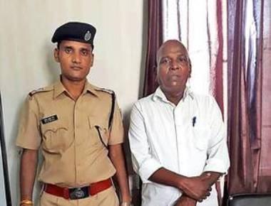 Auto driver arrested for posing as ticket checker