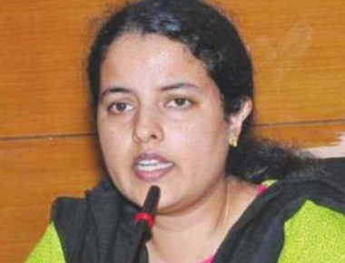 Udupi DC Priyanka wants private hospitals to display rates for treatment