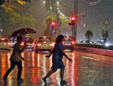 Monsoon curtain-raiser hits daily life