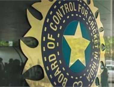 BCCI seeks Sridhar''s replacement