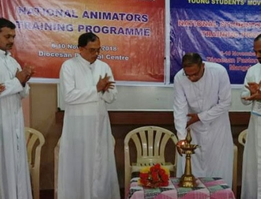Bishop inaugurates YCS/YSM National Level Leadership Training in Mangaluru