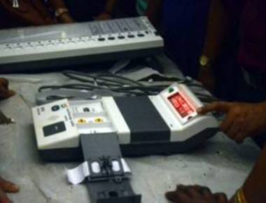 BJP sweeps Delhi civic polls, AAP alleges EVM tampering