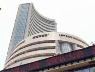 Nifty snaps 3-day rally, slips 41 pts to 10,700