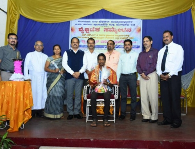 Toppers honoured by headmasters' and principals' association at Rosario