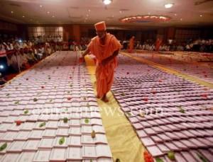 Laxmi puja was performed on occasion of Diwali  at Swaminarayan Temple, Dadar in Mumbai. (Pic by Ronida Mumbai)