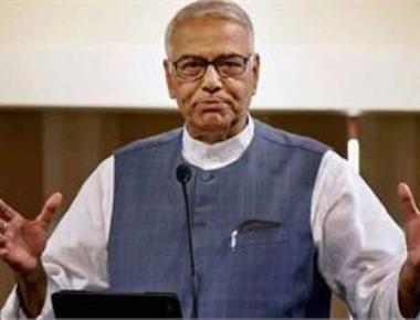 Cabinet ministers should 'speak up' like SC judges: Yashwant