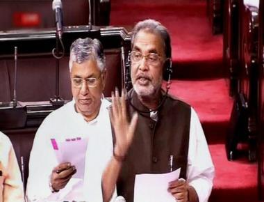 Karnataka should follow UP on farm loan waiver: Centre