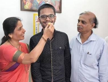 Narayan is interested in physics, Vaishvi in art