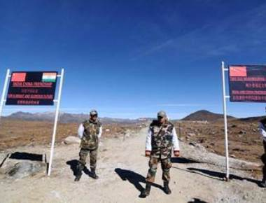 China beefs up security on border with India