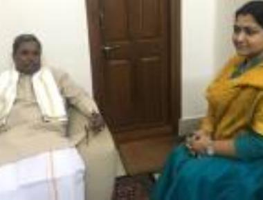 Khushboo calls on CM, condoles son's death