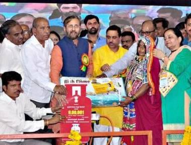 CM flayed for dividing Lingayat-Veerashaiva