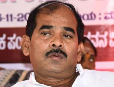 Cong MLA Shivalli claims BJP leader tried to lure him
