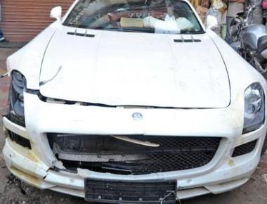 Contractor drives Merc over 5 pavement dwellers, held