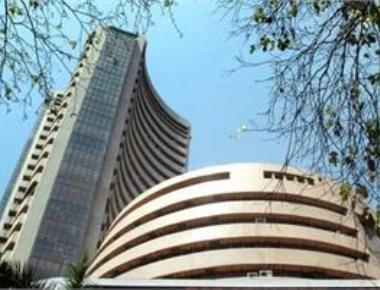 Dalal Street heads for worst ride in 4 yrs; FPIs spoil party