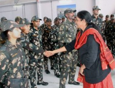 Country celebrates Dussehra; Rajnath, Sitharaman join troops