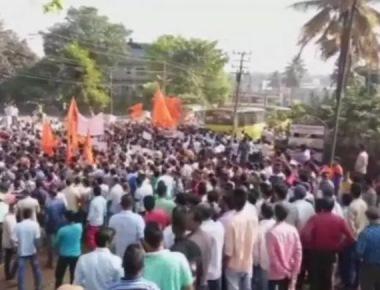 Paresh Mesta murder: Police fire in the air, burst tear gas to quell mob