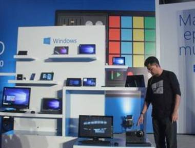 Microsoft rolls out Windows 10