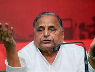 China ready to attack India, claims Mulayam in Lok Sabha