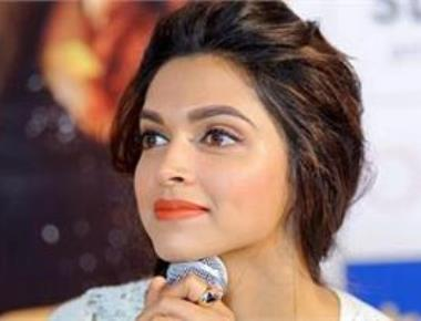 I thought Irrfan would look down upon me: Deepika Padukone