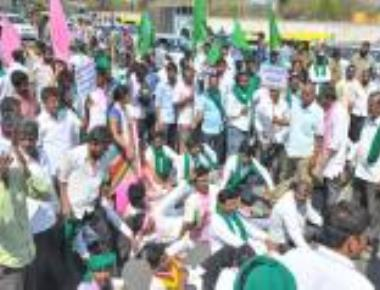 Farmers' protest paralyses Bengaluru's traffic for hours