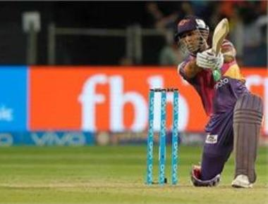 Dhoni seals 6-wkt victory for Pune against Hyderabad