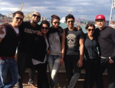 'Dil Dhadakne Do' team to promote film at IPL final