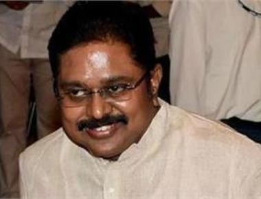 CM camp seeks disqualification of 19 pro-Dhinakaran MLAs
