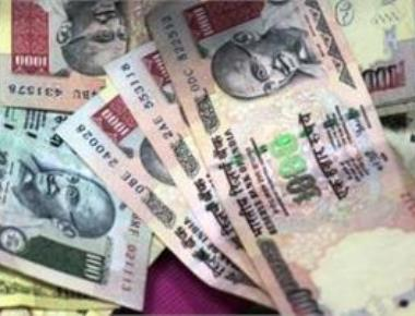 Rupee down 16 paise against dollar in early trade