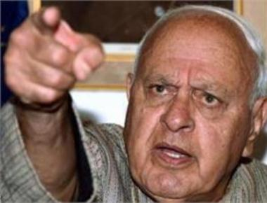 Stone-pelting youth in Kashmir fighting for nation:Farooq