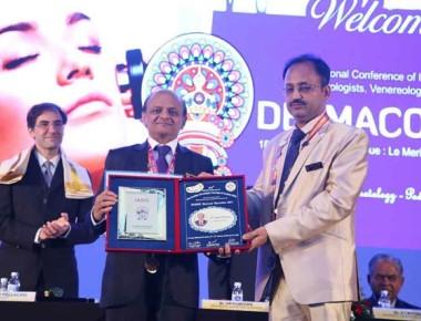 Dr Ramesh Bhat new national president of IADVL