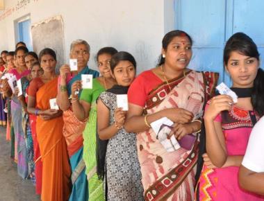 Impressive voter turnout in Nanjangud, Gundlupet bypolls