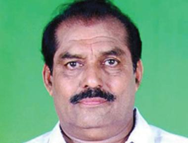 Endosulfan activist to file case against MLA Vasant Bangera