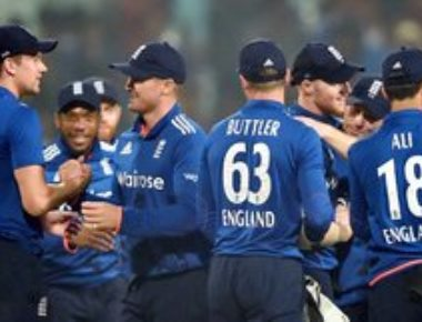 England prevent series whitewash with five-run win in 3rd ODI