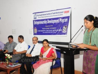 Entrepreneurship prog held at University College