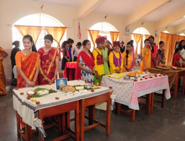 Carmel School holds international school activity exhibition