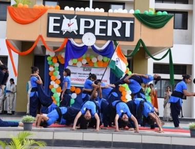 Expert P U College, Valachil celebrates Independence Day in grandeur